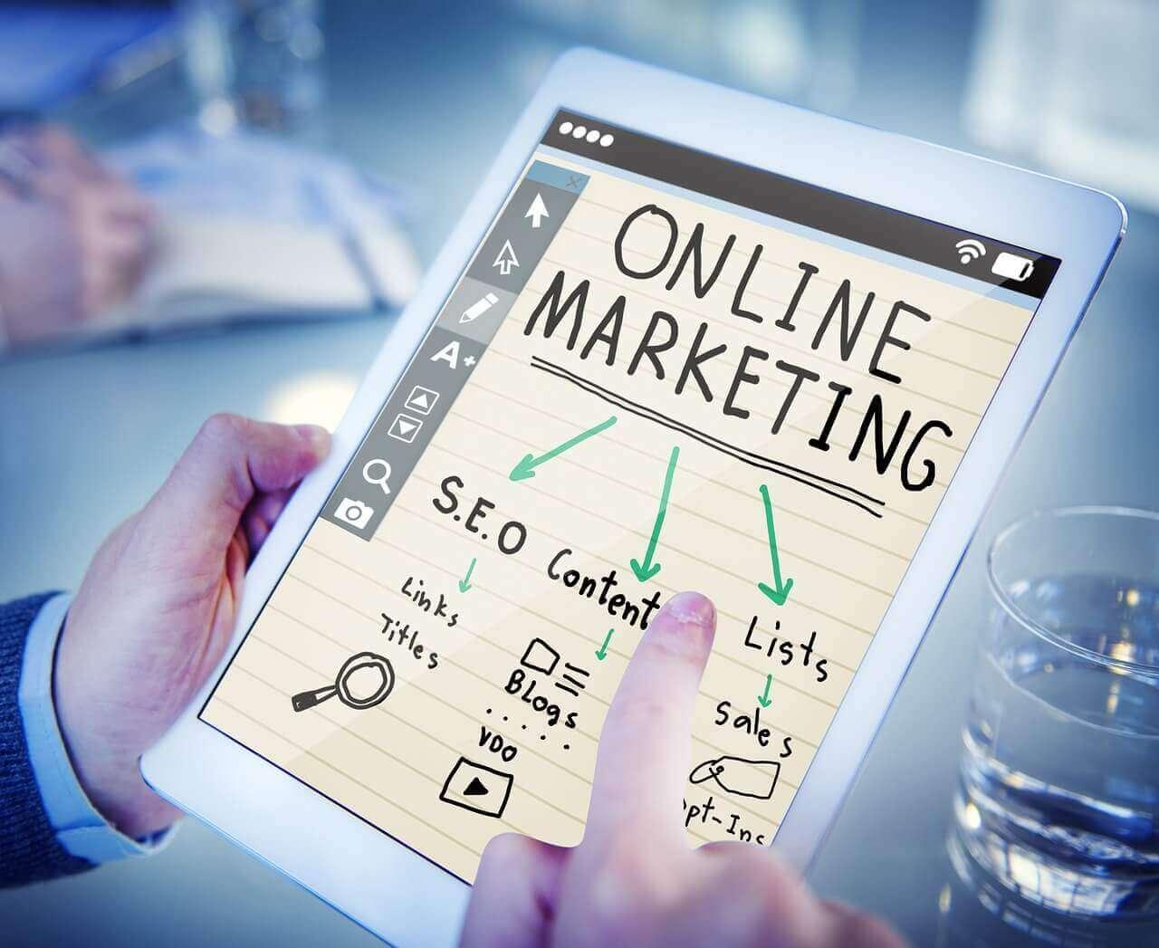 WEBマーケティングの施策