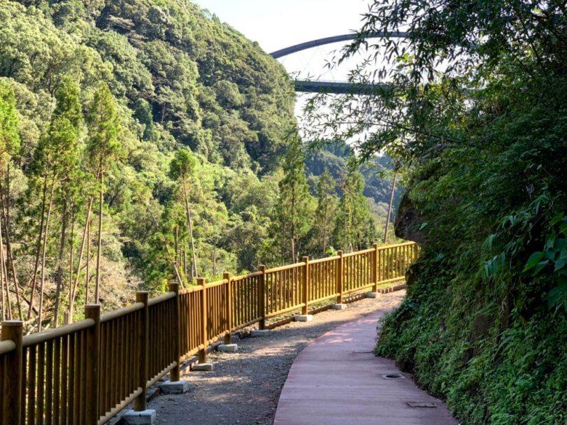 雄川の滝柵