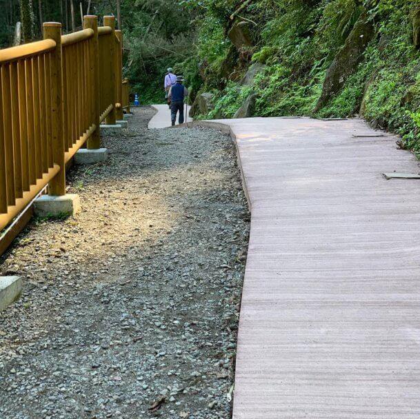 雄川の滝舗装