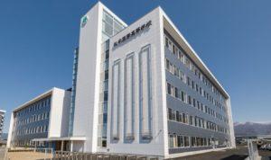 松本国際高等学校の校舎